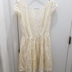 B. Darlin lace off white dress juniors size 9/10